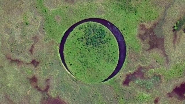 Hòn đảo kỳ bí liên tục di chuyển trong lòng hồ suốt 20 năm - 1