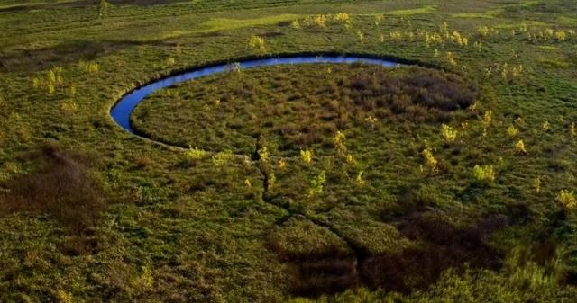 Hòn đảo kỳ bí liên tục di chuyển trong lòng hồ suốt 20 năm - 2
