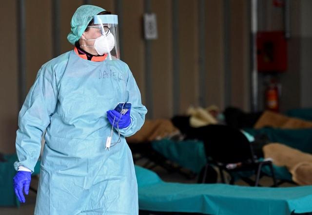 Số người mắc Covid-19 ở Italia tăng đột biến gần 3.500 ca trong ngày - 1