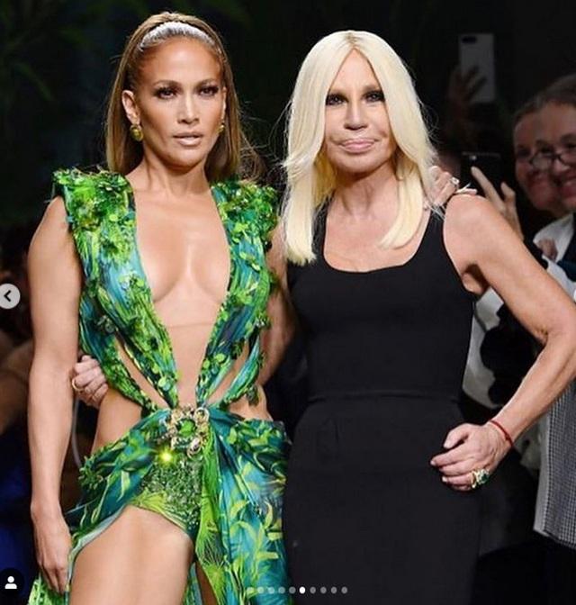 Jennifer Lopez gợi cảm quảng cáo giày cao gót - 8
