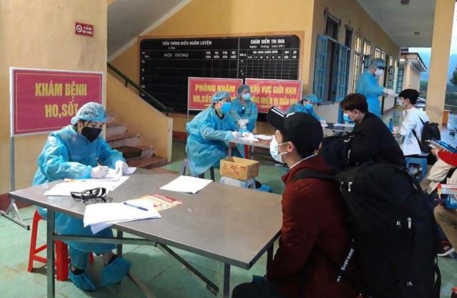 Huy động 90.000 bác sĩ, hàng nghìn sinh viên, điều dưỡng chống dịch - 1