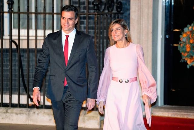 Tây Ban Nha phong tỏa 47 triệu dân, vợ thủ tướng mắc Covid-19 - 2