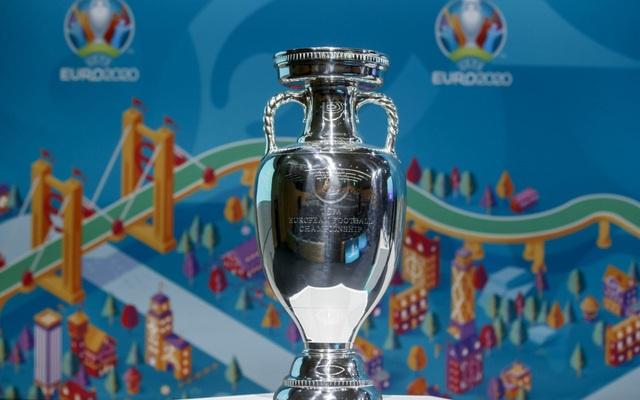 Euro 2020 có thể diễn ra vào mùa Đông? - 1