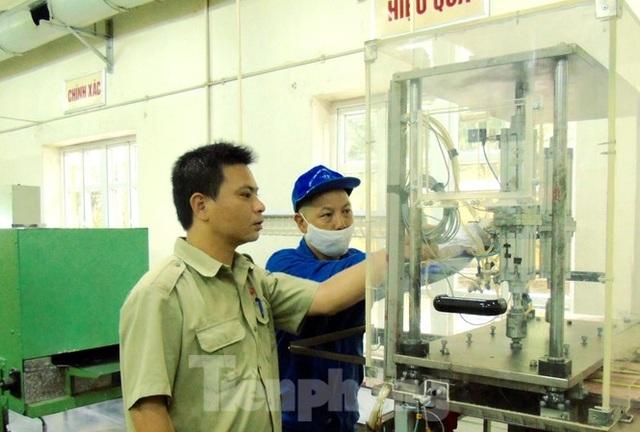 Kỹ sư Việt 8X tìm ra công nghệ hạt lửa quân sự hiện đại - 1