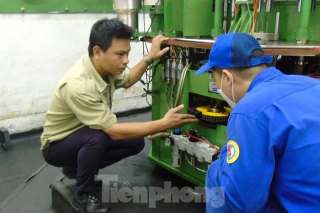 Kỹ sư Việt 8X tìm ra công nghệ hạt lửa quân sự hiện đại - 3