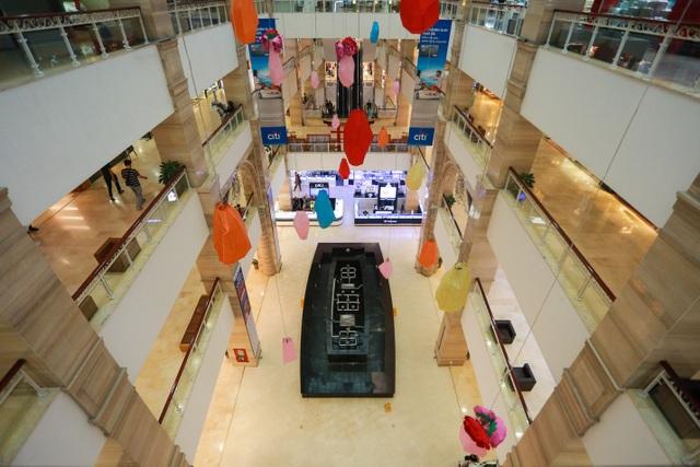 Cảnh vắng lặng như tờ tại các trung tâm thương mại Hà Nội trong mùa dịch - 1