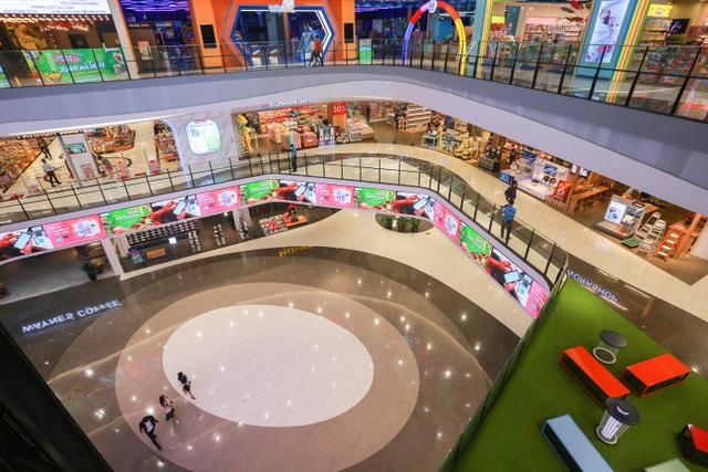 Cảnh vắng lặng như tờ tại các trung tâm thương mại Hà Nội trong mùa dịch - 5