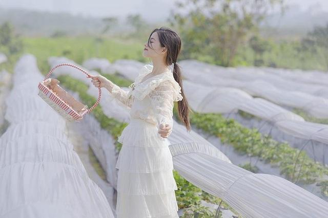 Xao xuyến vẻ đẹp trong veo như sương mai của cô gái Bắc Giang - 9