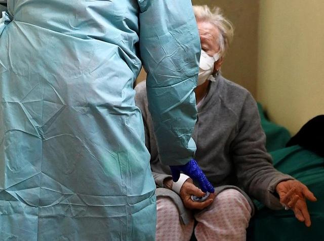 Hơn 1.400 người chết, các bệnh viện ở Italia gồng mình đối phó Covid-19 - 3