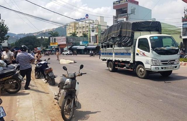 Tai nạn liên hoàn, người đàn ông đi xe máy tử vong - 1