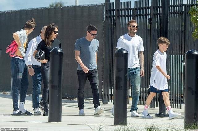 Ngưỡng mộ hình ảnh hạnh phúc của gia đình David Beckham - 4