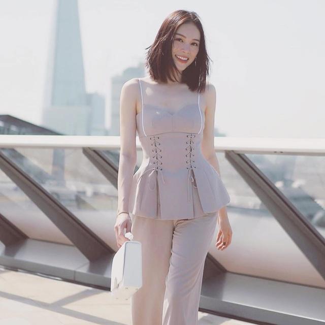 Lên báo Anh nhờ đeo khẩu trang, Linh Rin hé lộ Phillip Nguyễn tạo cảm hứng - 11