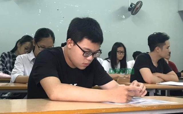 Hiệu trưởng kiến nghị bớt môn thi THPT quốc gia và tuyển sinh lớp 10 - 1