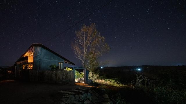 Chiêm ngưỡng ngôi nhà trên đỉnh đồi, quanh năm ngắm mây giăng ở Đăk Nông - 3