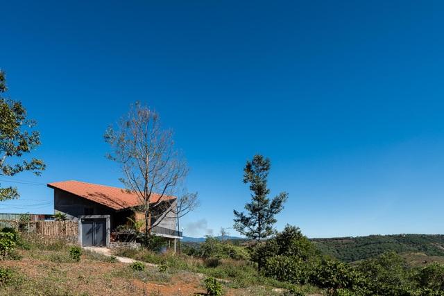 Chiêm ngưỡng ngôi nhà trên đỉnh đồi, quanh năm ngắm mây giăng ở Đăk Nông - 8