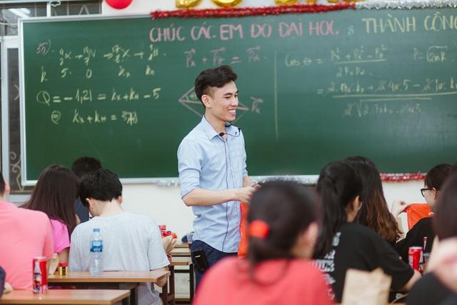 """Thầy giáo 9X """"bật mí"""" cách học online hiệu quả giữa mùa dịch Covid-19 - 1"""