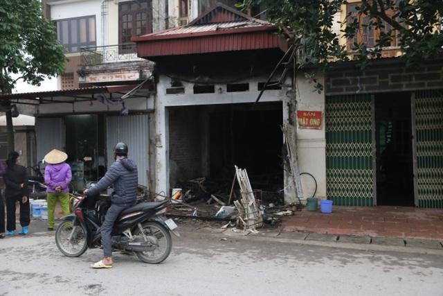 Vụ cháy khiến 3 người tử vong: Phát hiện đáng ngờ từ camera an ninh - 1