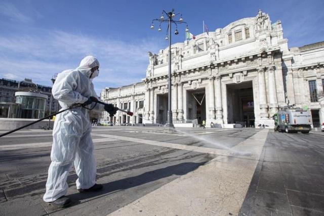 Italia ghi nhận kỷ lục 368 người chết vì Covid-19 trong ngày - 1