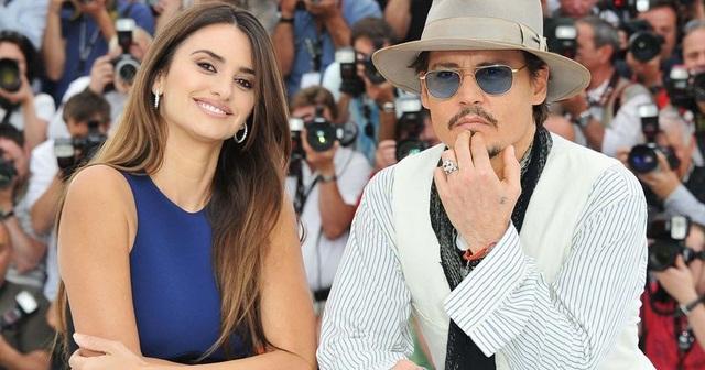 """""""Cướp biển"""" Johnny Depp được bạn thân bênh vực - 2"""