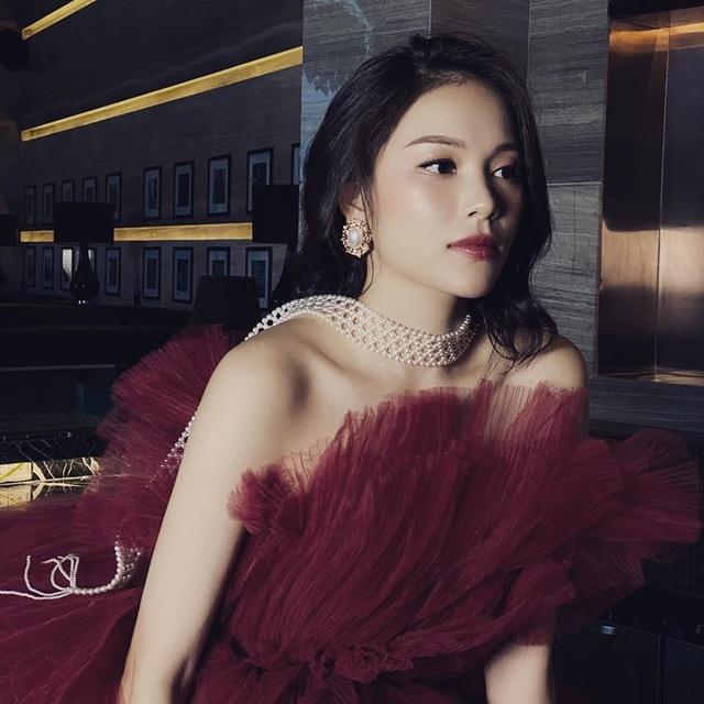 Lên báo Anh nhờ đeo khẩu trang, Linh Rin hé lộ Phillip Nguyễn tạo cảm hứng - 7