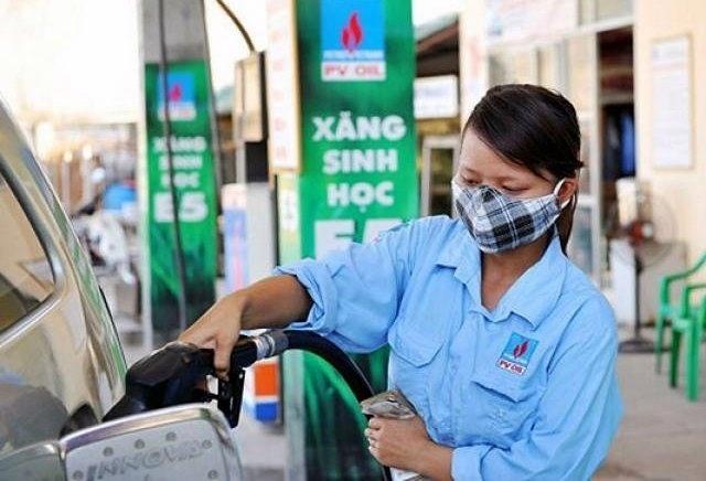 Giá xăng đã có thể giảm sâu xuống dưới 16 nghìn đồng/lít - 1