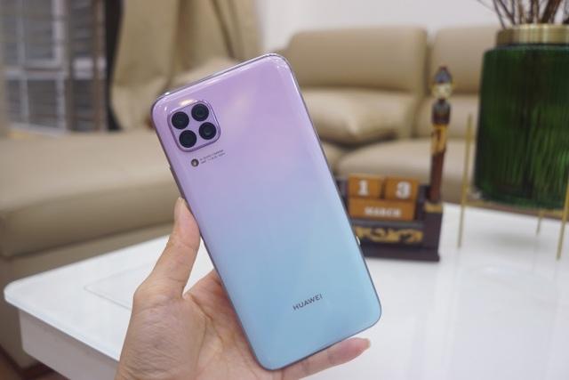 Cận cảnh Huawei nova 7i - Smartphone tầm trung với cụm 4 camera nổi bật - 1