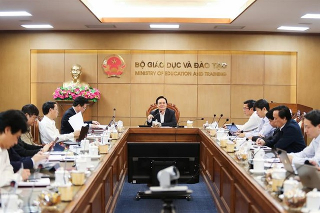 Bộ trưởng: Không giảm nhẹ chất lượng, thẩm định nội dung khi học trực tuyến - 1