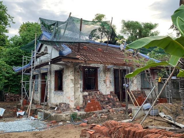 Bất ngờ với căn nhà cổ trăm tuổi đẹp hiếm có của cặp vợ chồng người Huế - 4