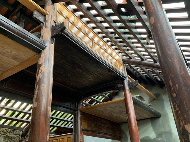 Bất ngờ với căn nhà cổ trăm tuổi đẹp hiếm có của cặp vợ chồng người Huế - 5