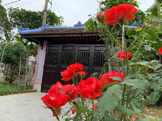 Bất ngờ với căn nhà cổ trăm tuổi đẹp hiếm có của cặp vợ chồng người Huế - 12