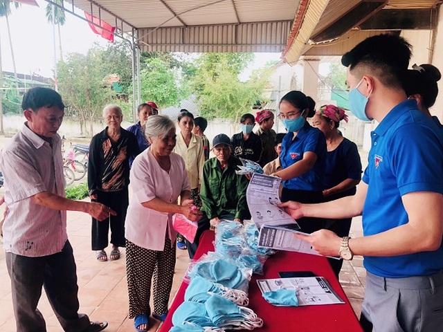 Thanh niên Nghệ An mượn xưởng may khẩu trang, chung tay phòng dịch Covid-19 - 5