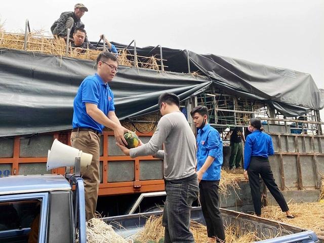 Thanh niên Nghệ An mượn xưởng may khẩu trang, chung tay phòng dịch Covid-19 - 3