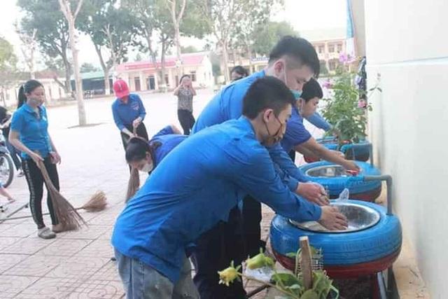 Thanh niên Nghệ An mượn xưởng may khẩu trang, chung tay phòng dịch Covid-19 - 8