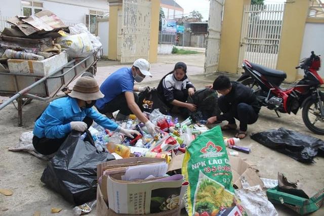 Thanh niên Nghệ An mượn xưởng may khẩu trang, chung tay phòng dịch Covid-19 - 9