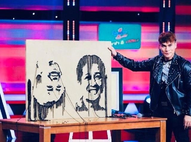 """Độc đáo chàng trai trẻ """"vẽ"""" tranh bằng xích, ốc vít - 5"""
