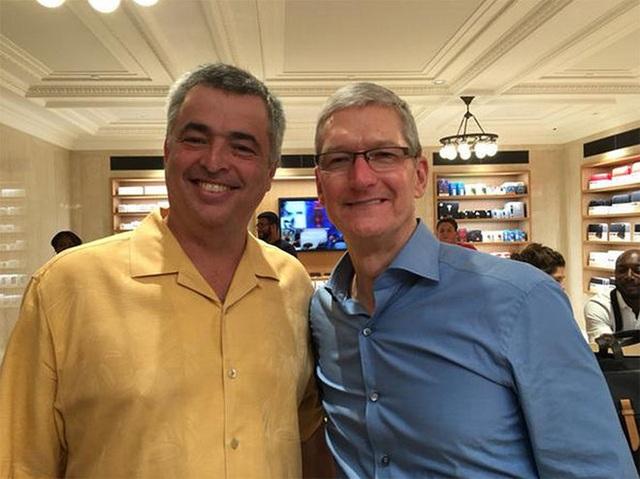 Sốc: CEO Tim Cook của Apple có thể đã bị nhiễm virus Covid-19 - 1
