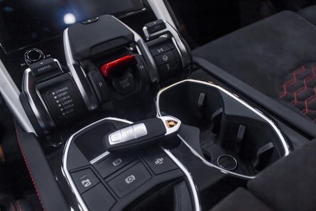 Đại gia Hà Nội chi 22 tỷ tậu Lamborghini Urus màu đen độc số 1 Việt Nam - 4