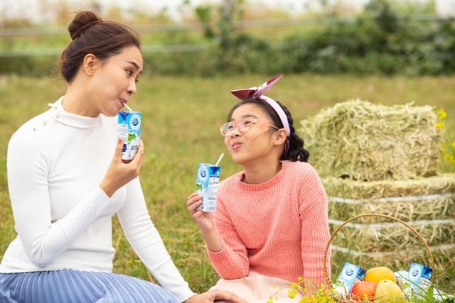 Không chỉ học bảo quản sữa tươi tại gia, Hồng Diễm còn chăm tìm tòi đến tận… nhà máy - 1