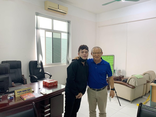 HLV Park Hang Seo tranh thủ học tiếng Việt giữa mùa dịch - 1