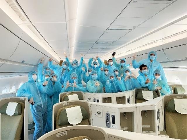 Gần 2.000 tiếp viên Vietnam Airlines phải cách ly, nghỉ làm vì Covid-19 - 3