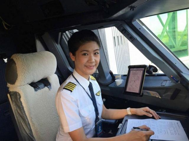 Tuyệt chiêu làm đẹp của những nữ phi công Việt Nam - 14