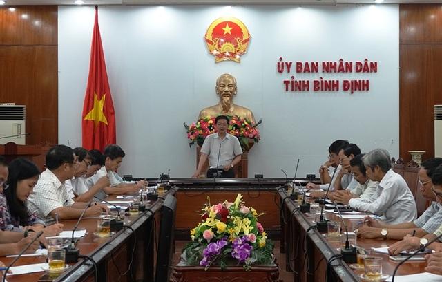 Chủ tịch UBND tỉnh Bình Định Hồ Quốc Dũng chủ trì buổi làm việc tìm cách gỡ khó cho doanh nghiệp do ảnh hưởng bởi Covid-19.