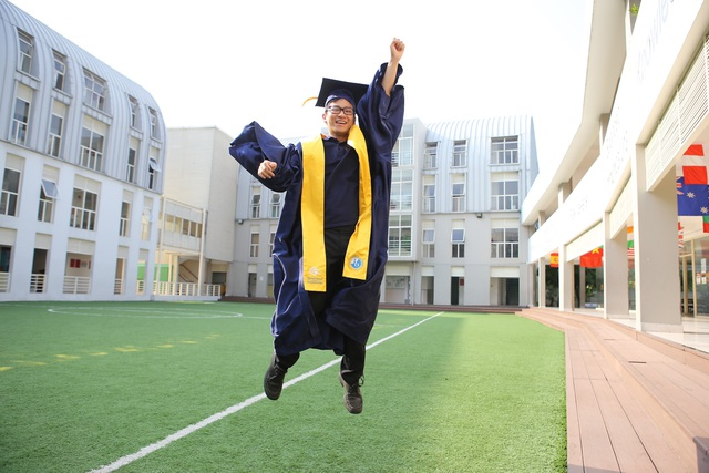 """Chinh phục các trường đại học hàng đầu thế giới: Đâu là công thức """"vàng"""" để thành công? - 1"""