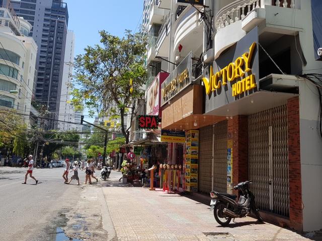 Nha Trang: Nhiều khách sạn đóng cửa, rao bán trong mùa dịch Covid-19 - 2