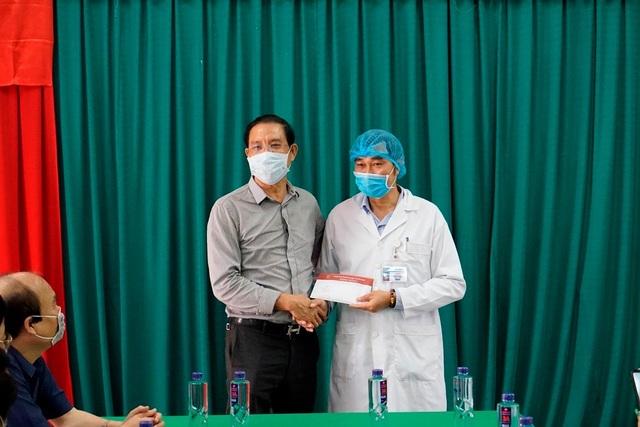 Nghệ An tiếp nhận cách ly gần 200 người từ Lào về quê - 8