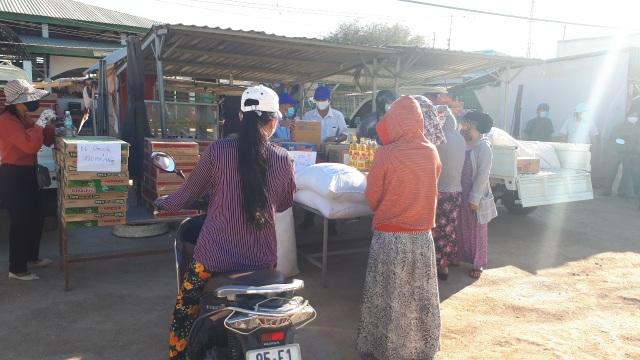 Ninh Thuận bác bỏ thông tin người dân thôn cách ly bị đói - 6