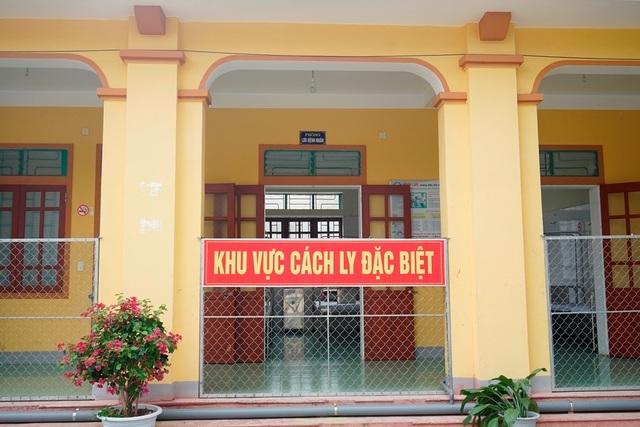 Nghệ An tiếp nhận cách ly gần 200 người từ Lào về quê - 4