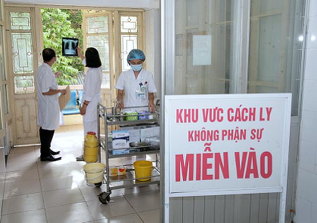 Bộ Y tế đánh giá gì về nguy cơ lây dịch Covid-19 từ Bệnh viện Bạch Mai? - 1