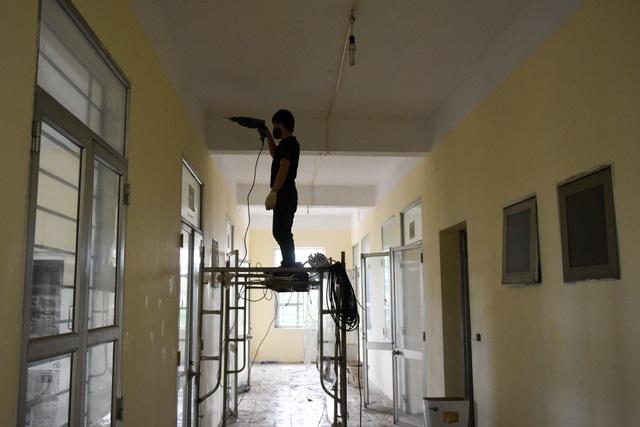 Bệnh viện bỏ hoang được gấp rút cải tạo làm khu cách ly dịch Covid-19 - 7
