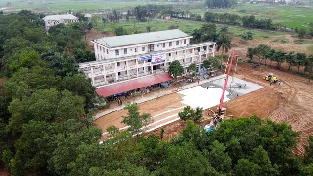 Bệnh viện bỏ hoang được gấp rút cải tạo làm khu cách ly dịch Covid-19 - 1